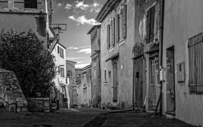 Yusuf Ziya Ortaç Şiirleri-Eski Ev
