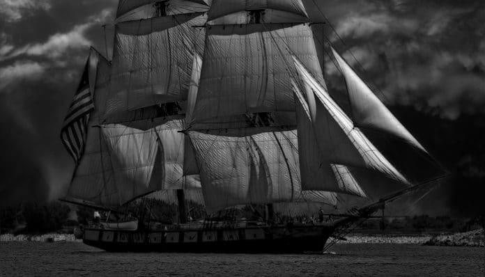 Enis Behiç Koryürek Şiirleri-Venedikli Korsan Kızı
