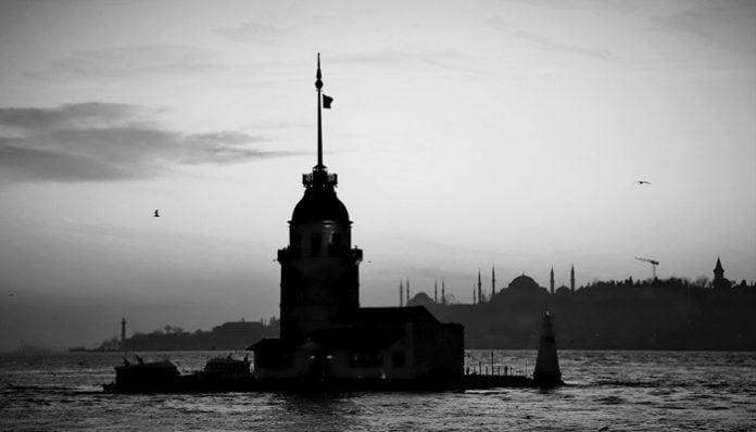 Yahya Kemal Beyatlı Şiirleri-İstanbul'un Fethini Gören Üsküdar