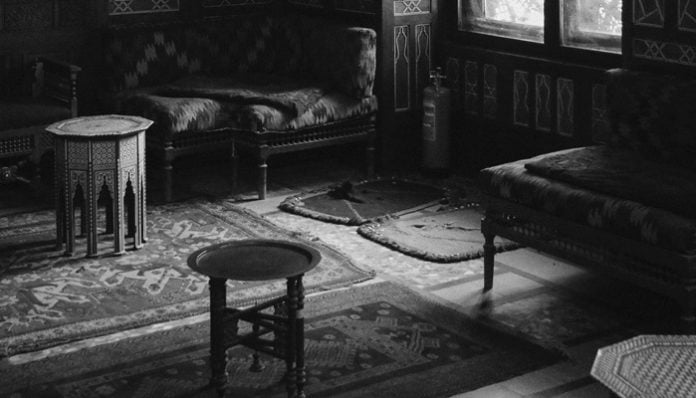Sabri Esat Siyavuşgil Şiirleri - Odalar Ve Sofalar
