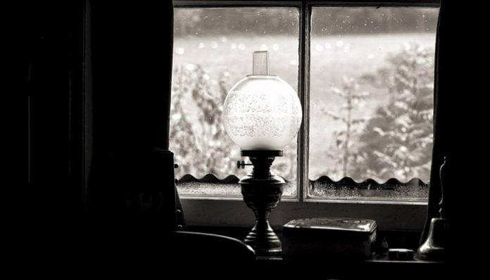 Sabahattin Ali Hikayeleri-Birdenbire Sönen Kandilin Hikayesi