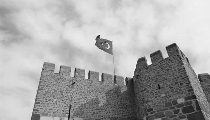 Mehmet Akif Ersoy Şiirleri-Diğer Şiirleri / İstiklâl Marşı