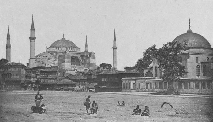 Mehmet Akif Ersoy Şiirleri-Safahat / Nazım Parçaları - Yemişçi İhtiyar