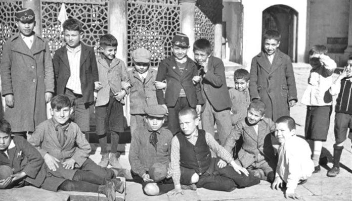 Mehmet Akif Ersoy Şiirleri-Gölgeler / Umar Mıydın?