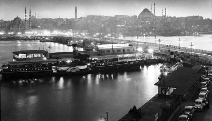 Mehmet Akif Ersoy Şiirleri-Gölgeler / Gece