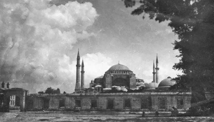 Mehmet Akif Ersoy Şiirleri-Safahat / Ezanlar