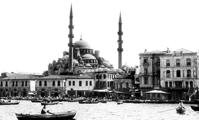 Mehmet Akif Ersoy Şiirleri-Gölgeler / Secde