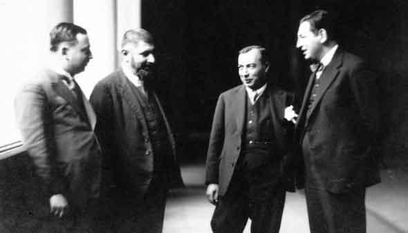 Babanzade Ahmet Naim Kimdir?